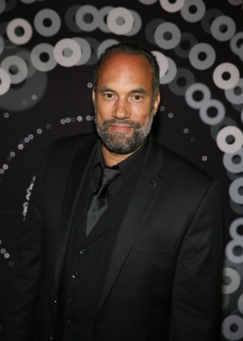 Roger Guenveur Smith headshot